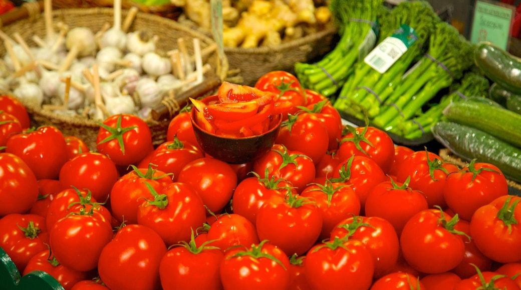 Queen Victoria Market showing interior views, food and markets