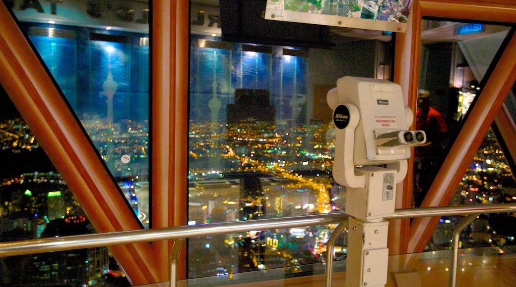 吉隆坡塔 设有 夜景, 景觀 和 城市