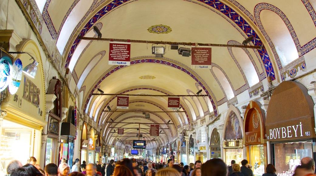Gran Bazar que incluye vistas interiores, mercados y compras