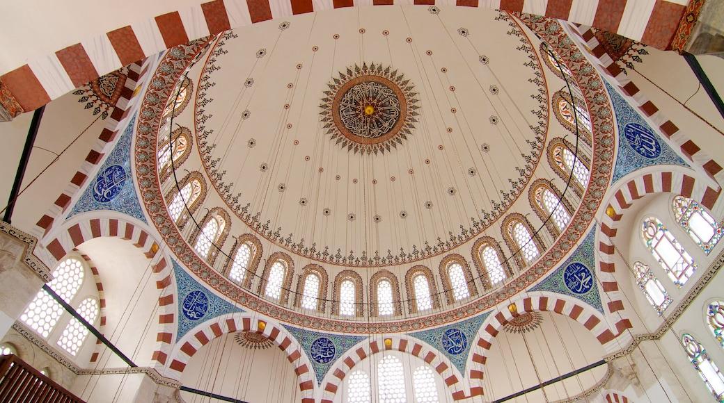 Mesquita de Rüstem Pasha que inclui vistas internas, uma mesquita e aspectos religiosos