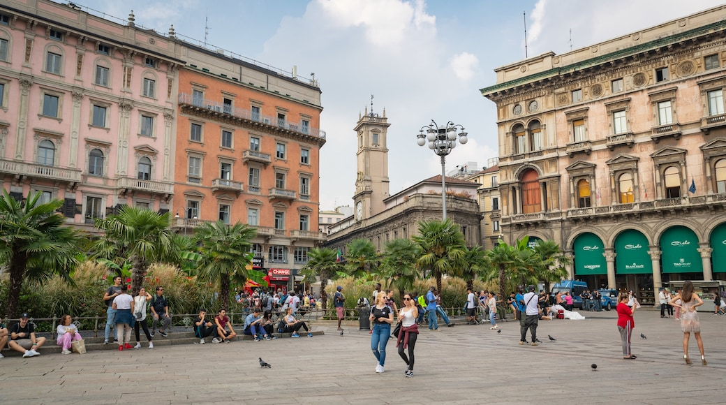 Piazza del Duomo featuring heritage elements, a square or plaza and street scenes