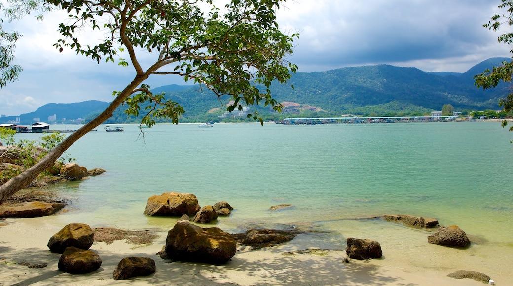 檳城國家公園 设有 熱帶風景, 海灘 和 海灣或海港
