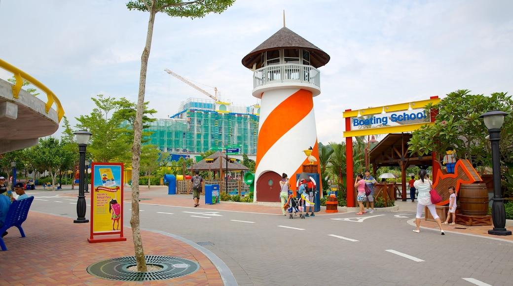 Johor Bahru showing rides, street scenes and signage