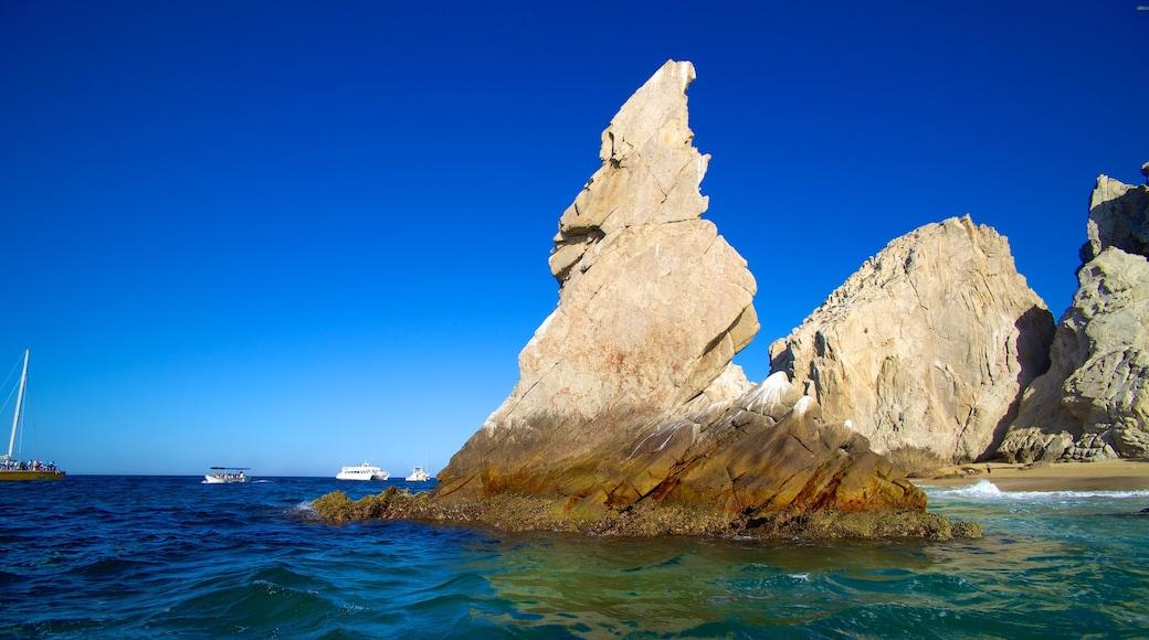 Los Cabos which includes rocky coastline