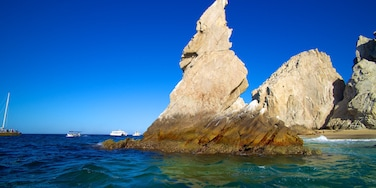 Los Cabos caracterizando litoral acidentado