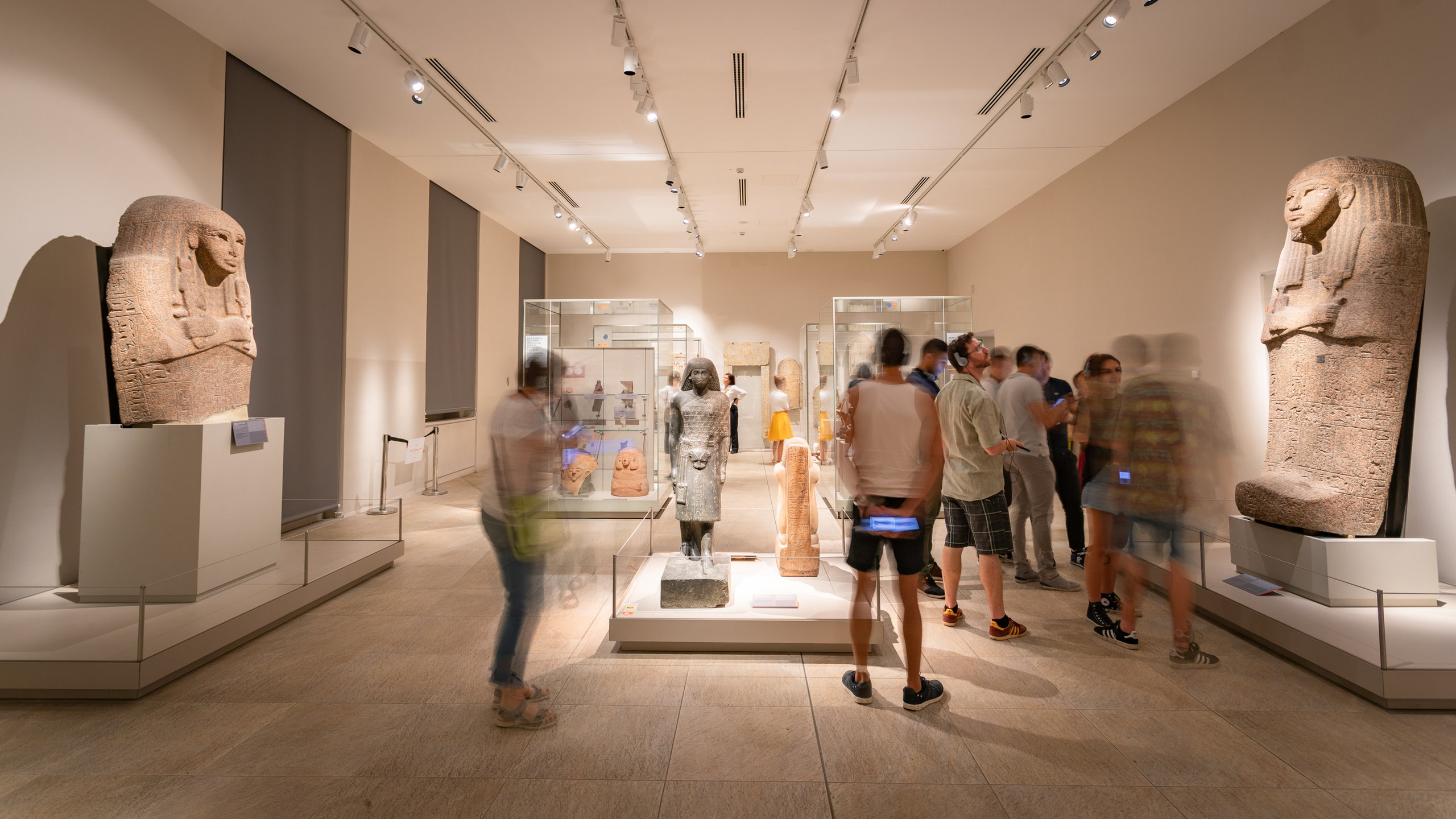 På det egyptiske museet, som er det eneste utelukkende egyptiske museet utenfor Kairo, kan du utforske historien til faraoene i det gamle Egypt.