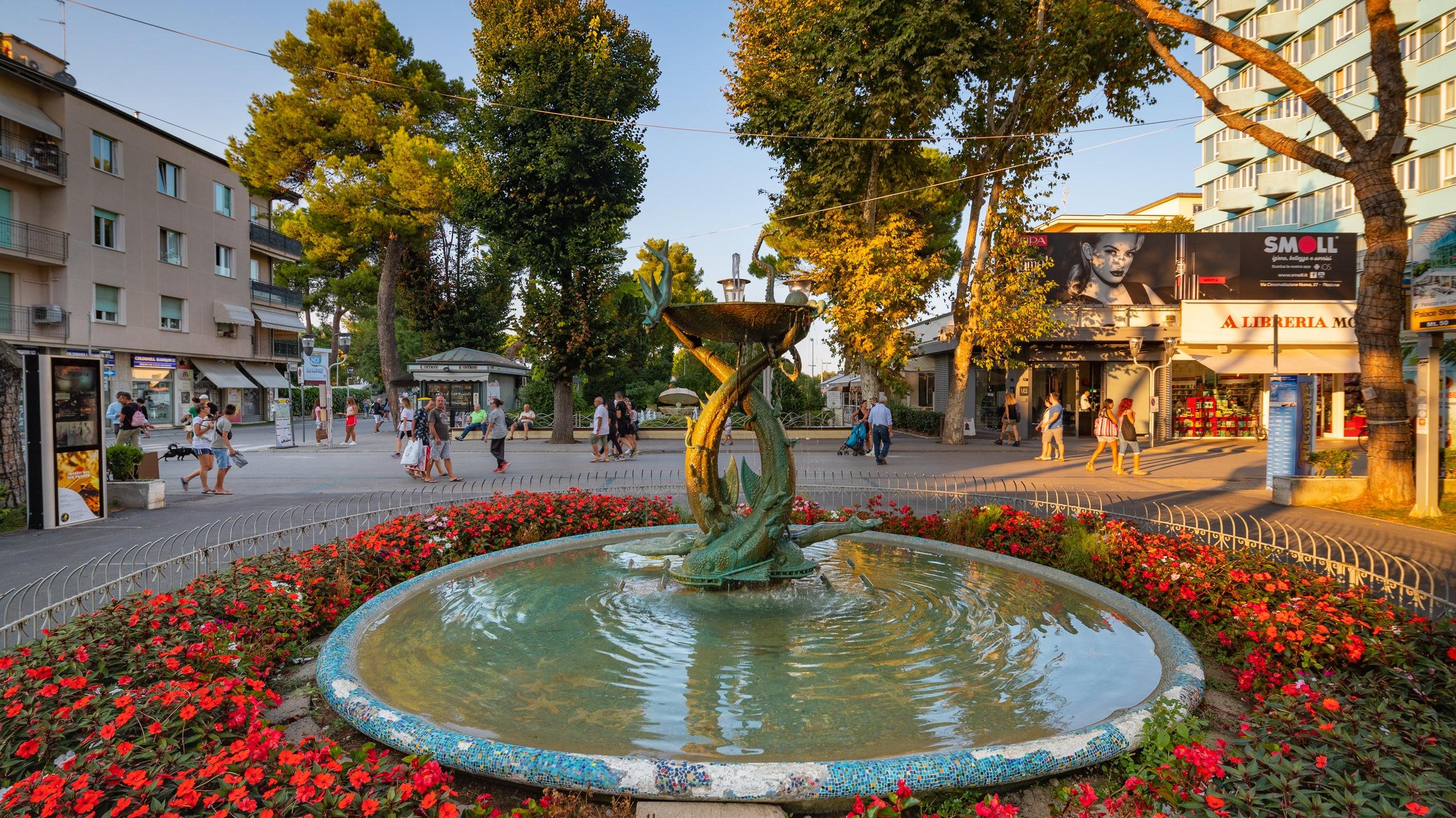 Questo maestoso complesso dedicato al turismo fornisce tutte le informazioni necessarie per un piacevole soggiorno a Riccione.