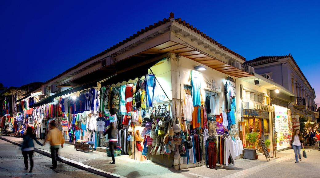 Marché aux puces de Monastiráki mettant en vedette scènes de nuit, scènes de rue et marchés