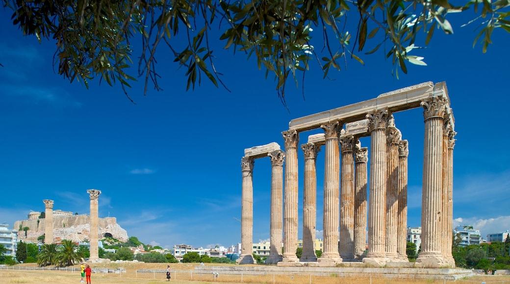 Olympolaisen Zeuksen temppeli joka esittää perintökohteet, vanha arkkitehtuuri ja temppeli tai palvontapaikka