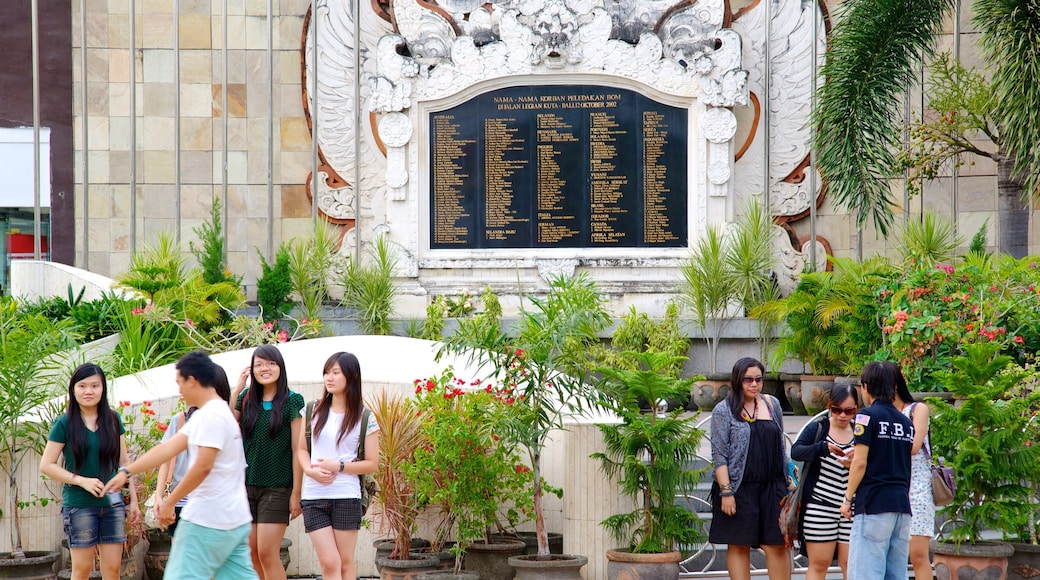 Bali Blast Monument featuring a monument as well as a large group of people