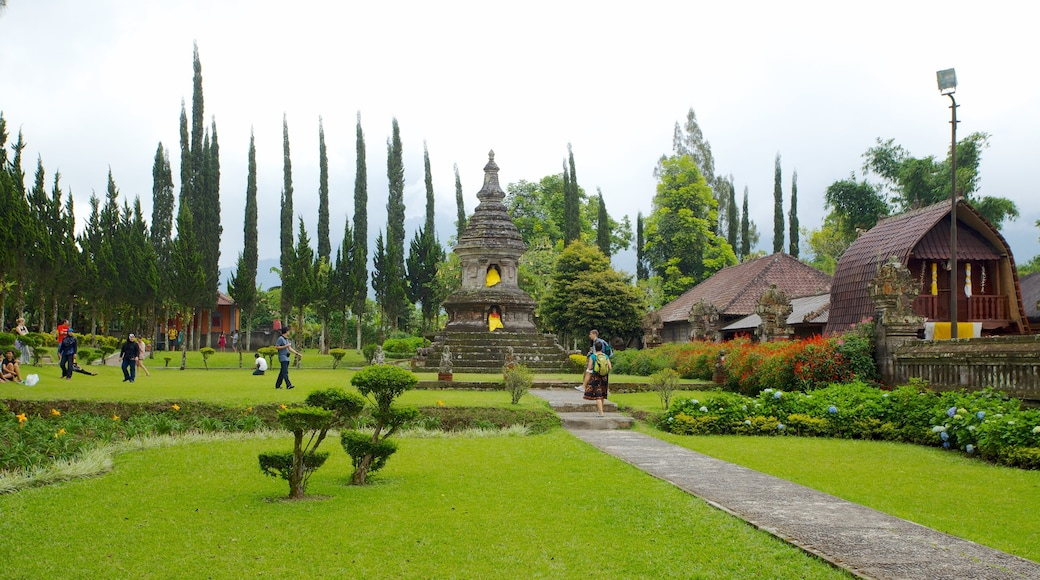 Ulun Danu Temple showing a temple or place of worship, a garden and religious aspects