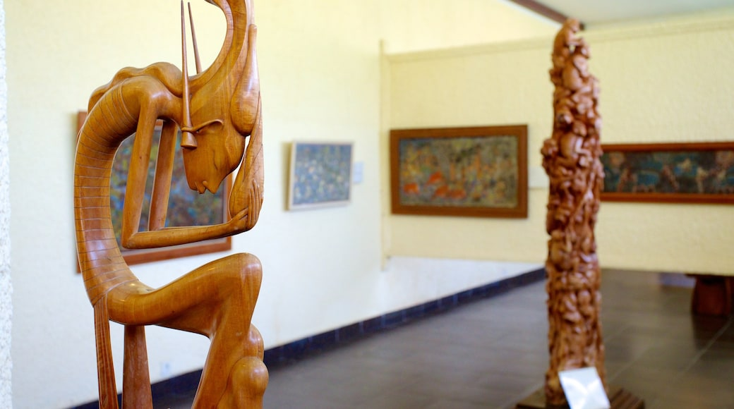 Museum Puri Lukisan which includes interior views, art and a statue or sculpture