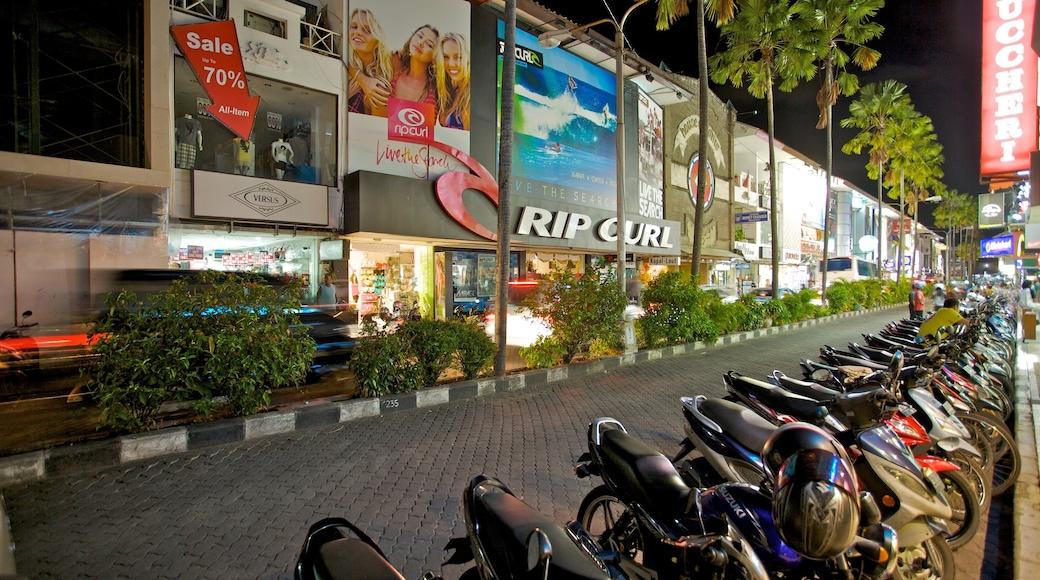 Kuta montrant scènes de rue, scènes de nuit et ville
