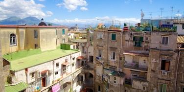 San Lorenzo Maggiore mostrando una ciudad y una casa