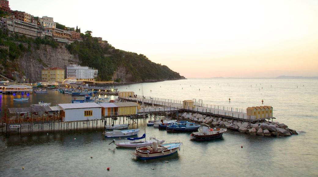 Marina Grande showing a coastal town, boating and general coastal views
