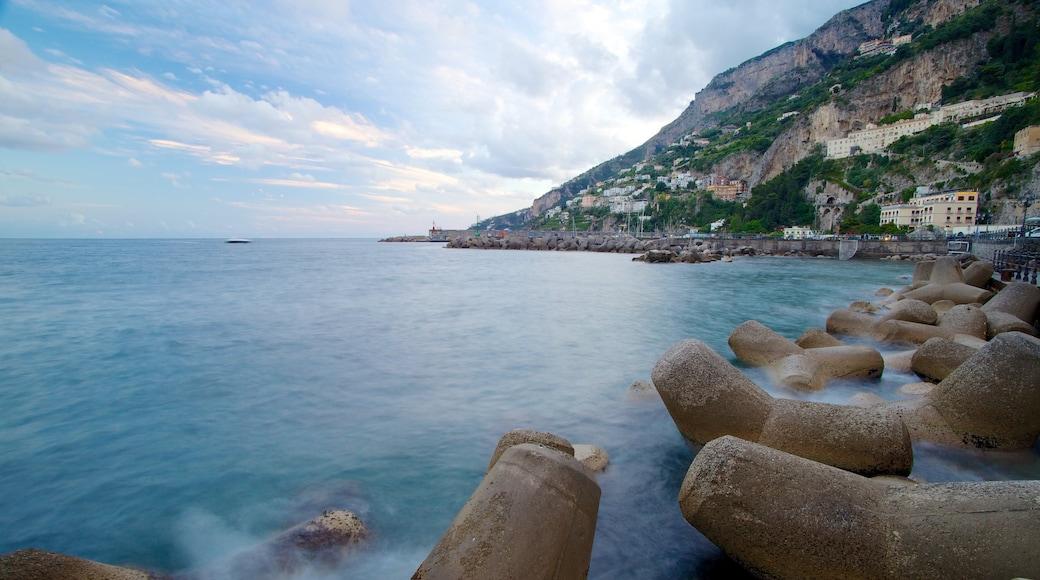 Amalfi featuring rugged coastline