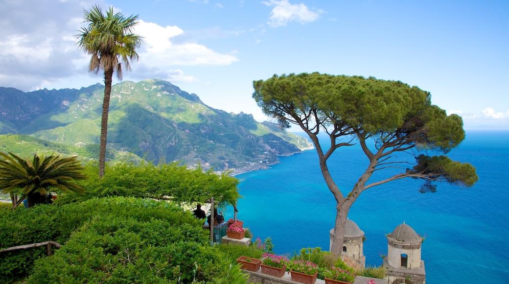 Ravello caratteristiche di paesaggio tropicale, località costiera e vista della costa
