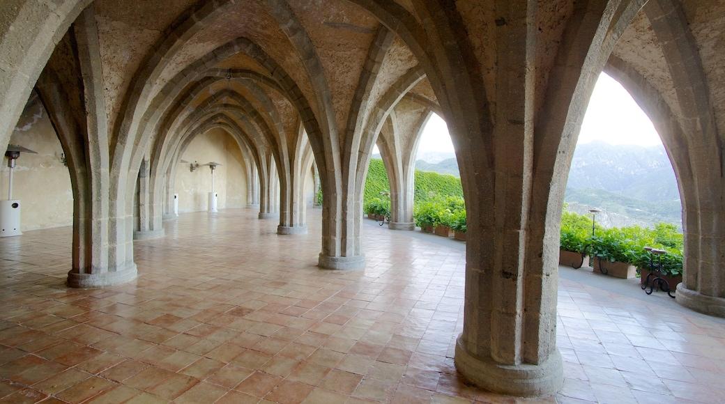 Ravello caratteristiche di architettura d\'epoca e vista interna