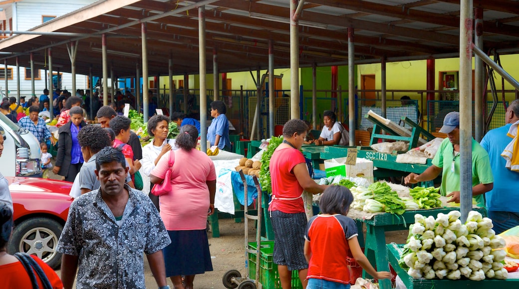 Suva showing markets and street scenes as well as a large group of people