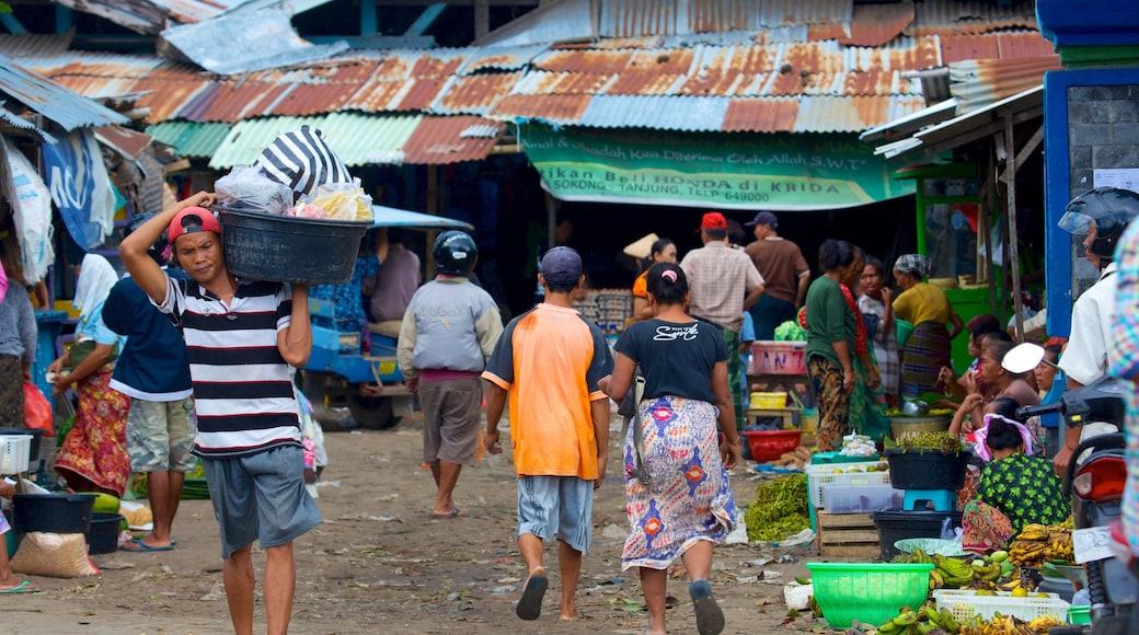 Tanjung showing street scenes, markets and a small town or village