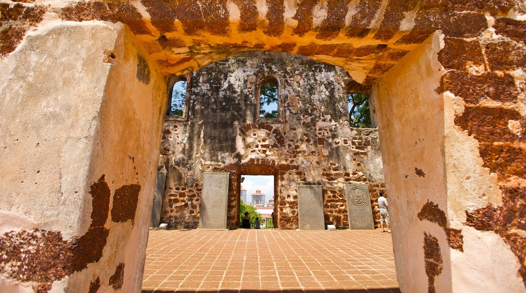 Malacca showing heritage elements and a ruin