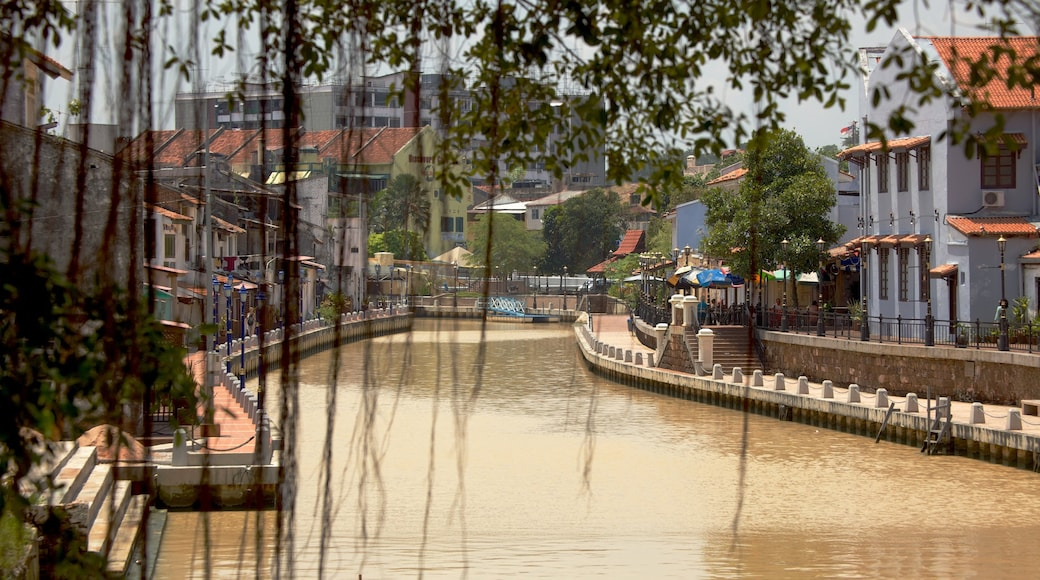 Melaka Historical City which includes a river or creek
