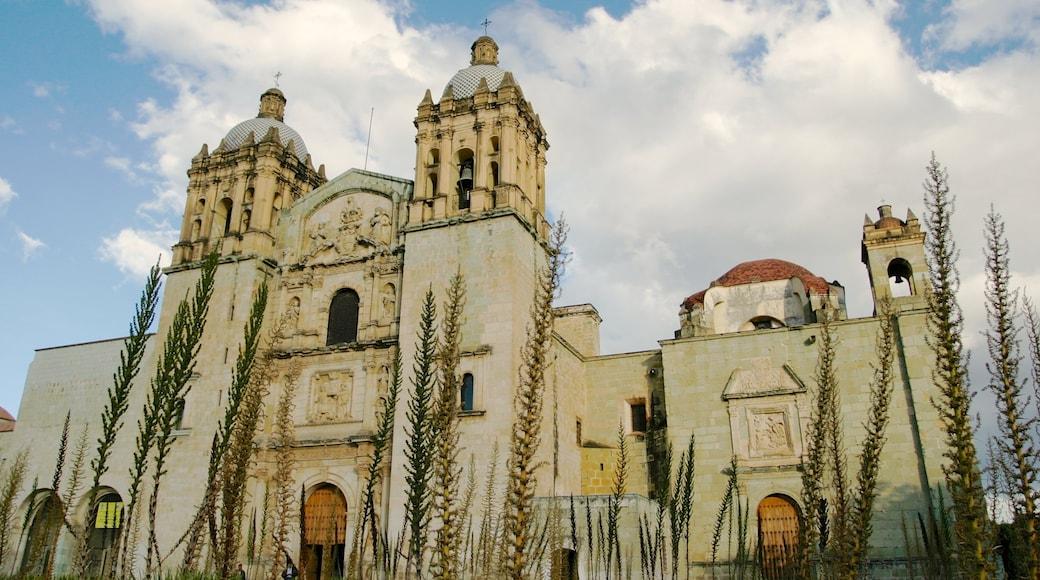 Oaxaca que incluye una iglesia o catedral