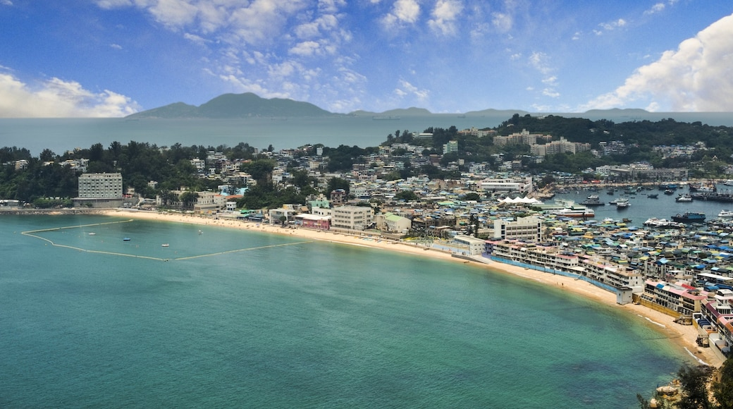 Cheung Chau showing a bay or harbour and a coastal town