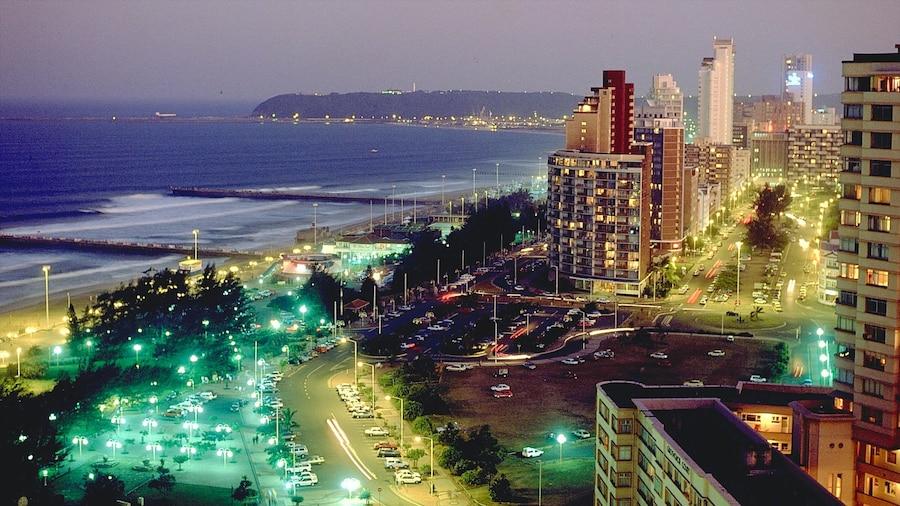 Durban das einen bei Nacht, Stadt und allgemeine Küstenansicht