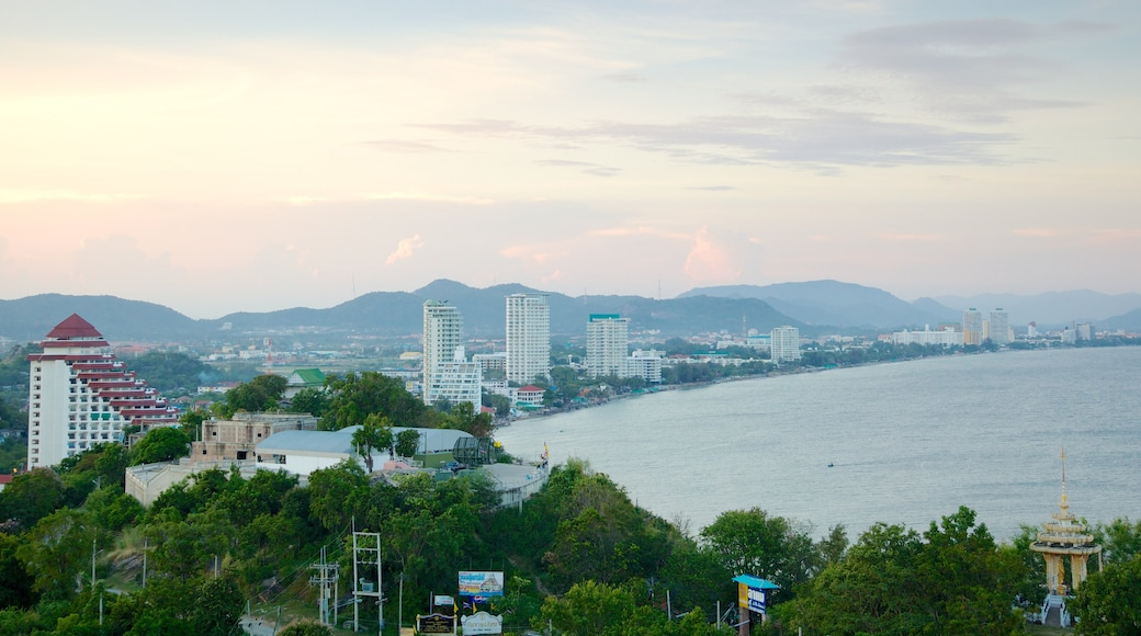 Hua Hin featuring landscape views, skyline and a coastal town