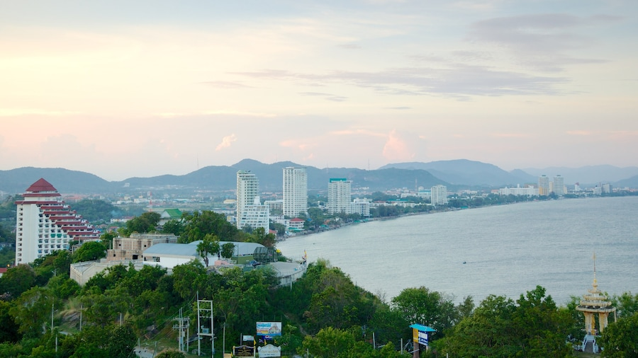 Hua Hin which includes skyline, a coastal town and general coastal views