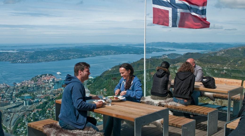 Ulriken Seilbahn welches beinhaltet Essen im Freien, allgemeine Küstenansicht und Berge