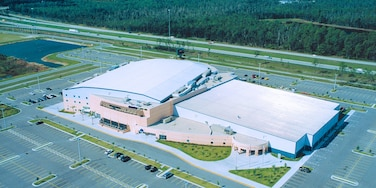 Hertz Arena showing landscape views