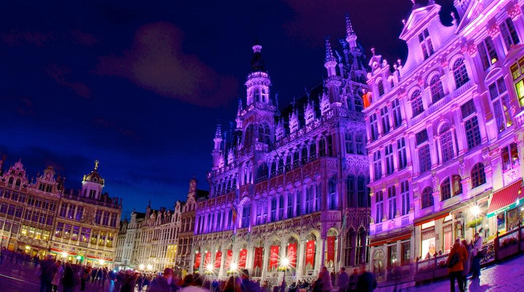 La Grand Place das einen Burg, historische Architektur und Stadt