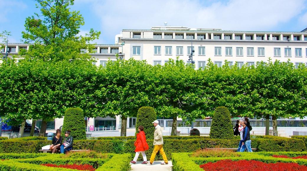 Kunstberg bevat een tuin en ook een stel