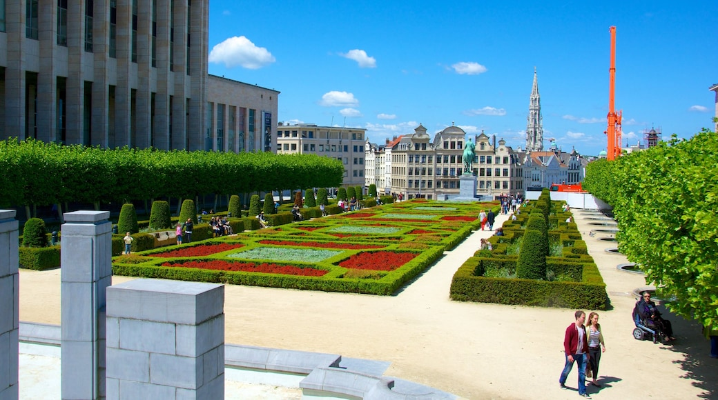 Mont des Arts which includes a park and a city as well as a couple