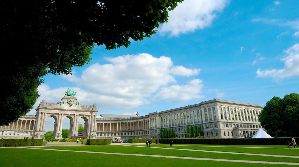 Jubilee Park toont historische architectuur, een park en een monument