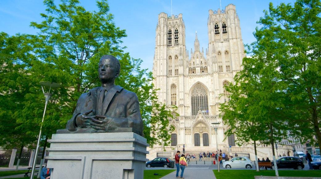 Kathedrale St. Michael und St. Gudula das einen Stadt, Statue oder Skulptur und Monument