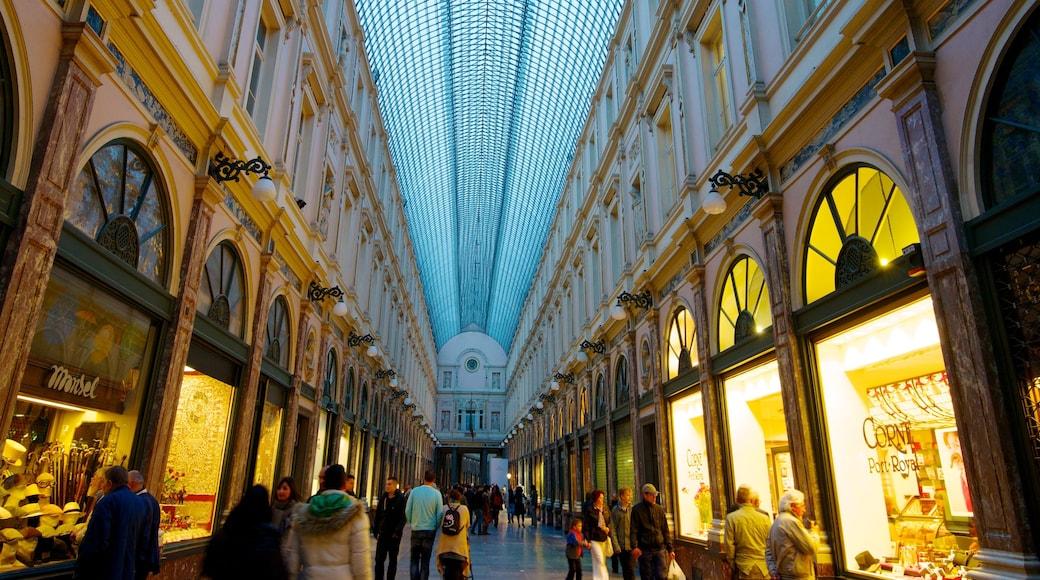 Galeries Royales Saint-Hubert das einen historische Architektur, Einkaufen und Innenansichten
