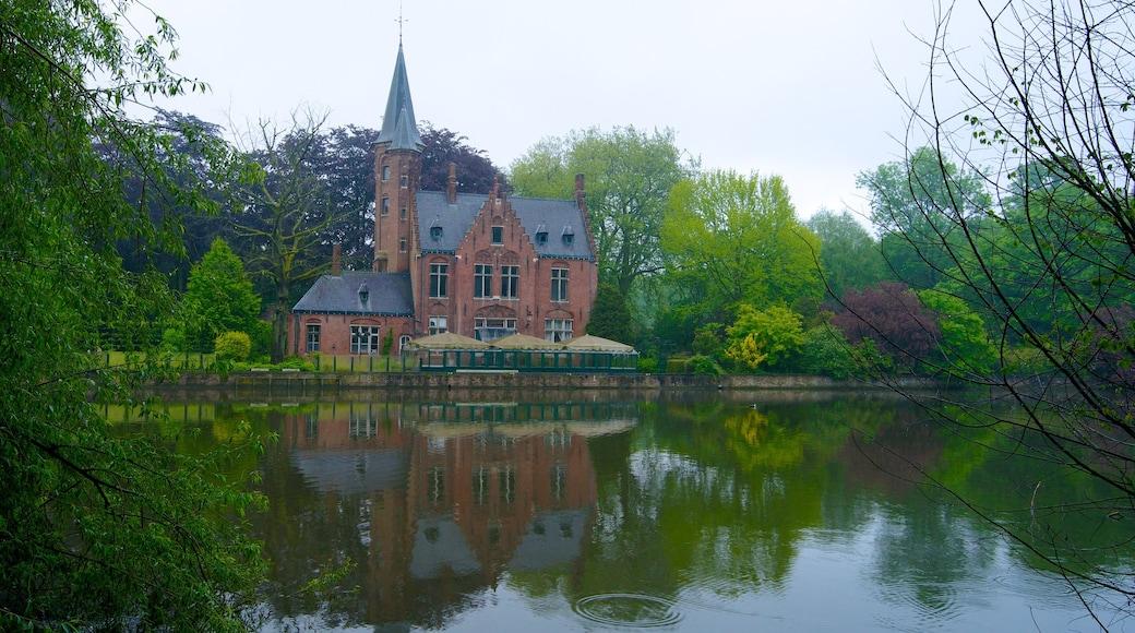 Minnewater inclusief een rivier of beek, een meer of poel en historische architectuur