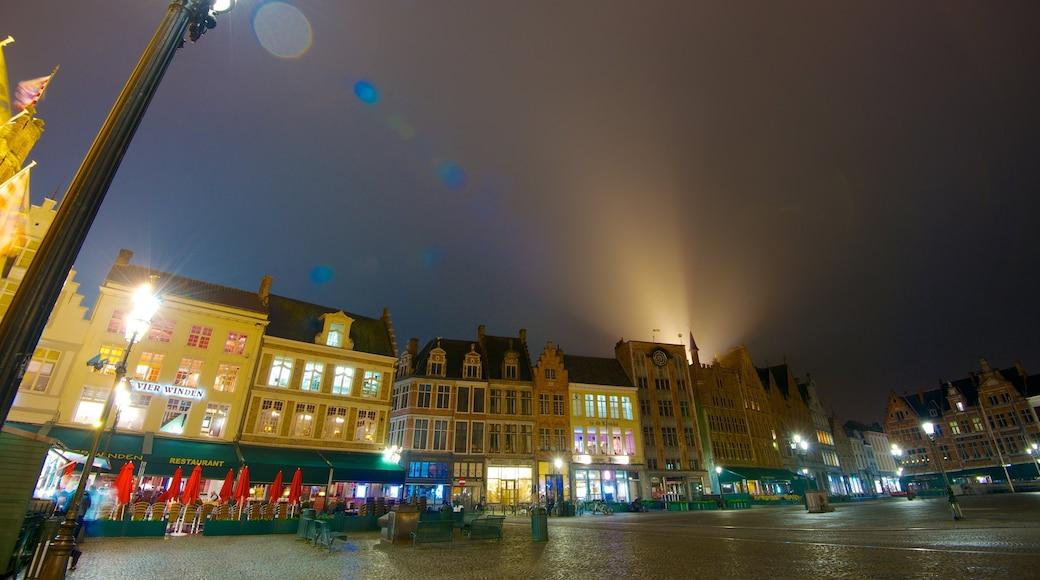 Grote Markt bevat een plein, nachtleven en een stad