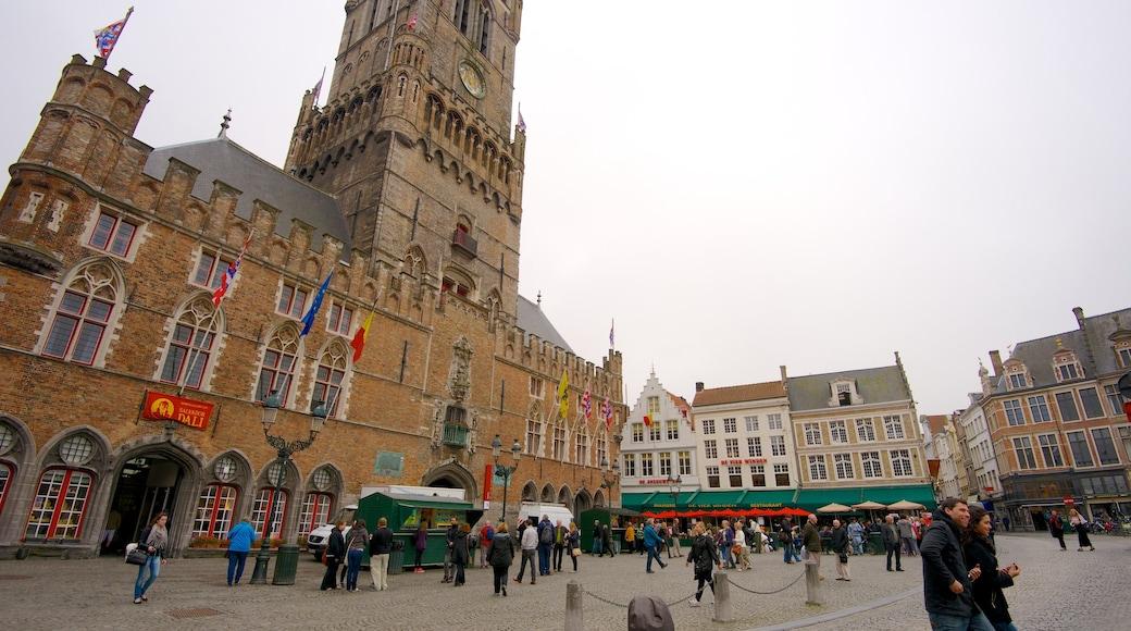 Grote Markt toont historische architectuur, een stad en een plein