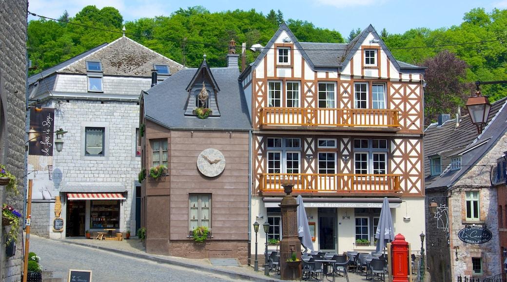 Durbuy bevat straten, een huis en een klein stadje of dorpje