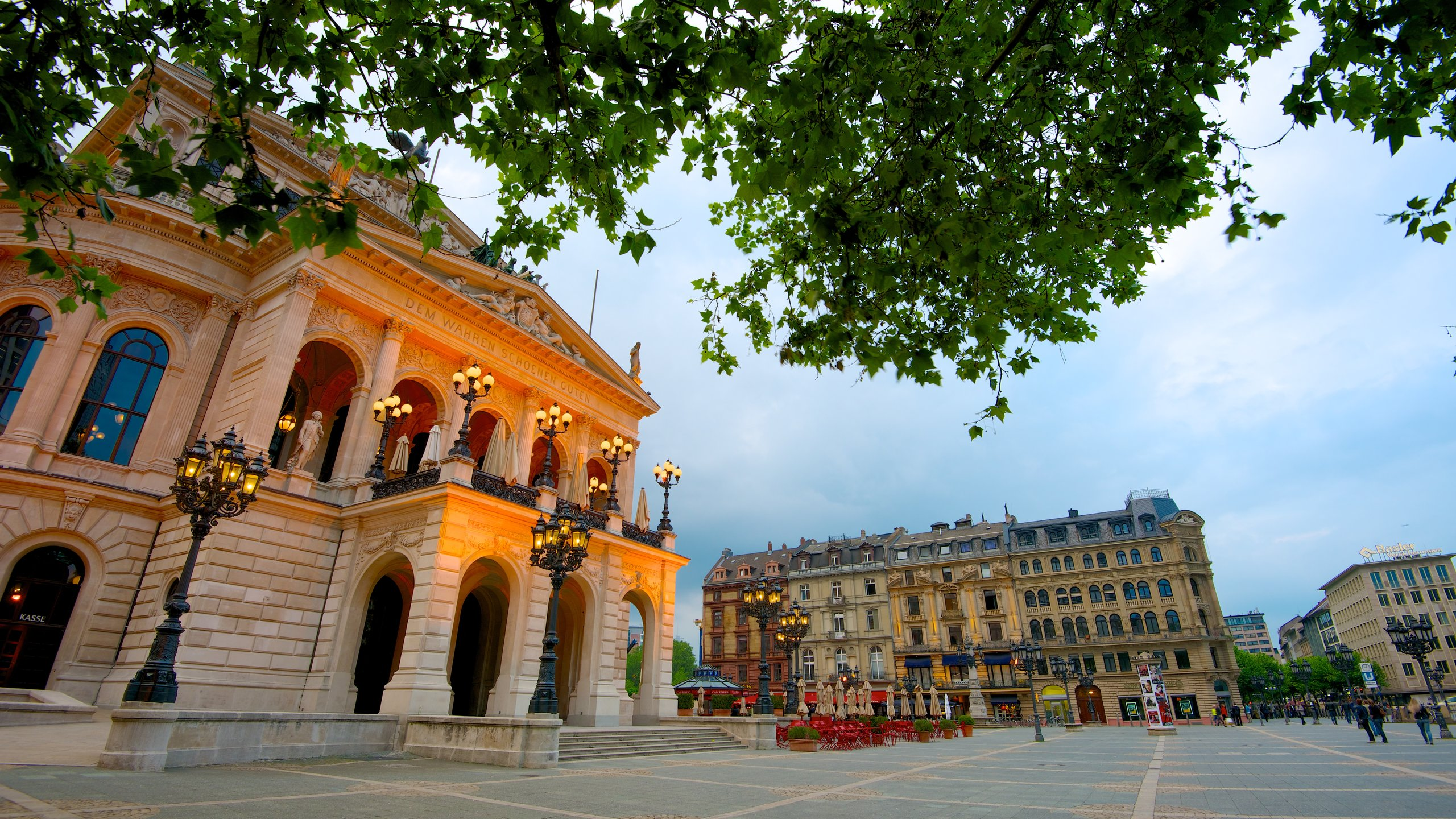 Frankfurt's former opera house today plays host to world-class classical music ensembles and popular musicals in its grand concert hall.