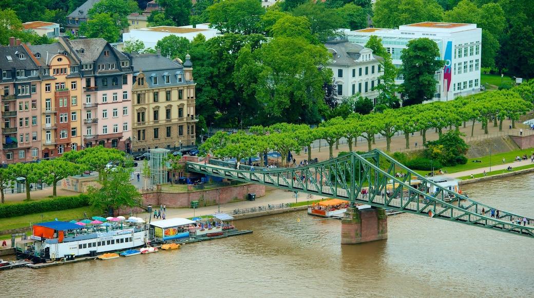 Francoforte mostrando ponte e città