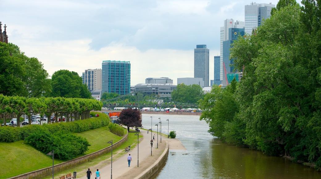 Francoforte caratteristiche di fiume o ruscello e città