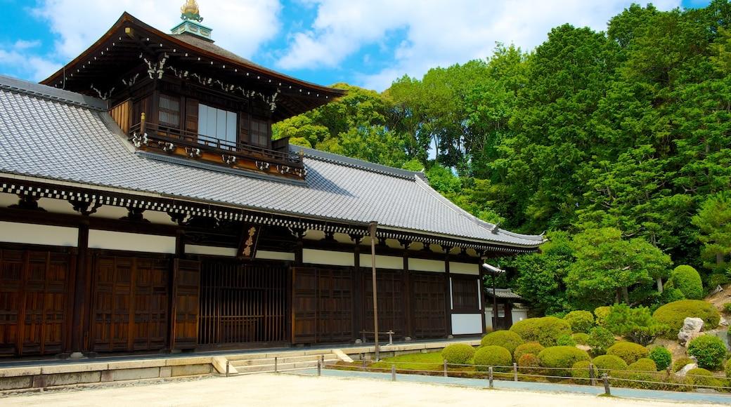 東福寺 其中包括 歷史建築, 廟宇或禮拜堂 和 宗教方面