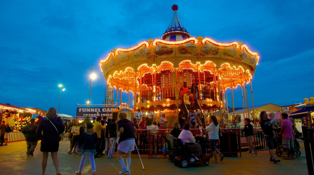 Steel Pier featuring rides, nightlife and night scenes