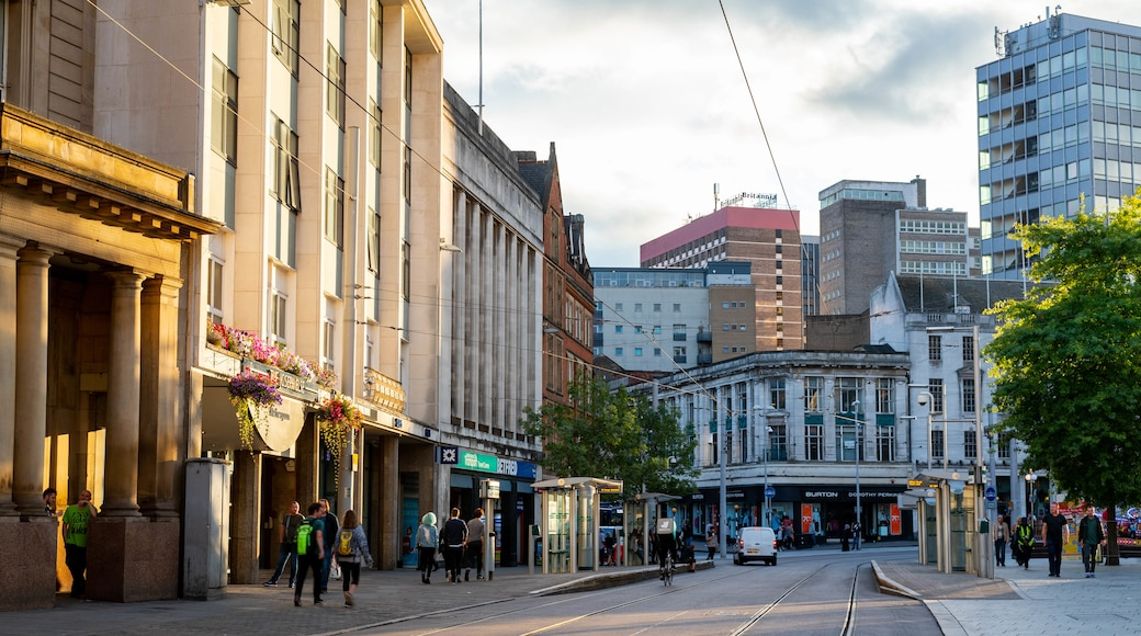Nottingham City Centre showing a city and street scenes