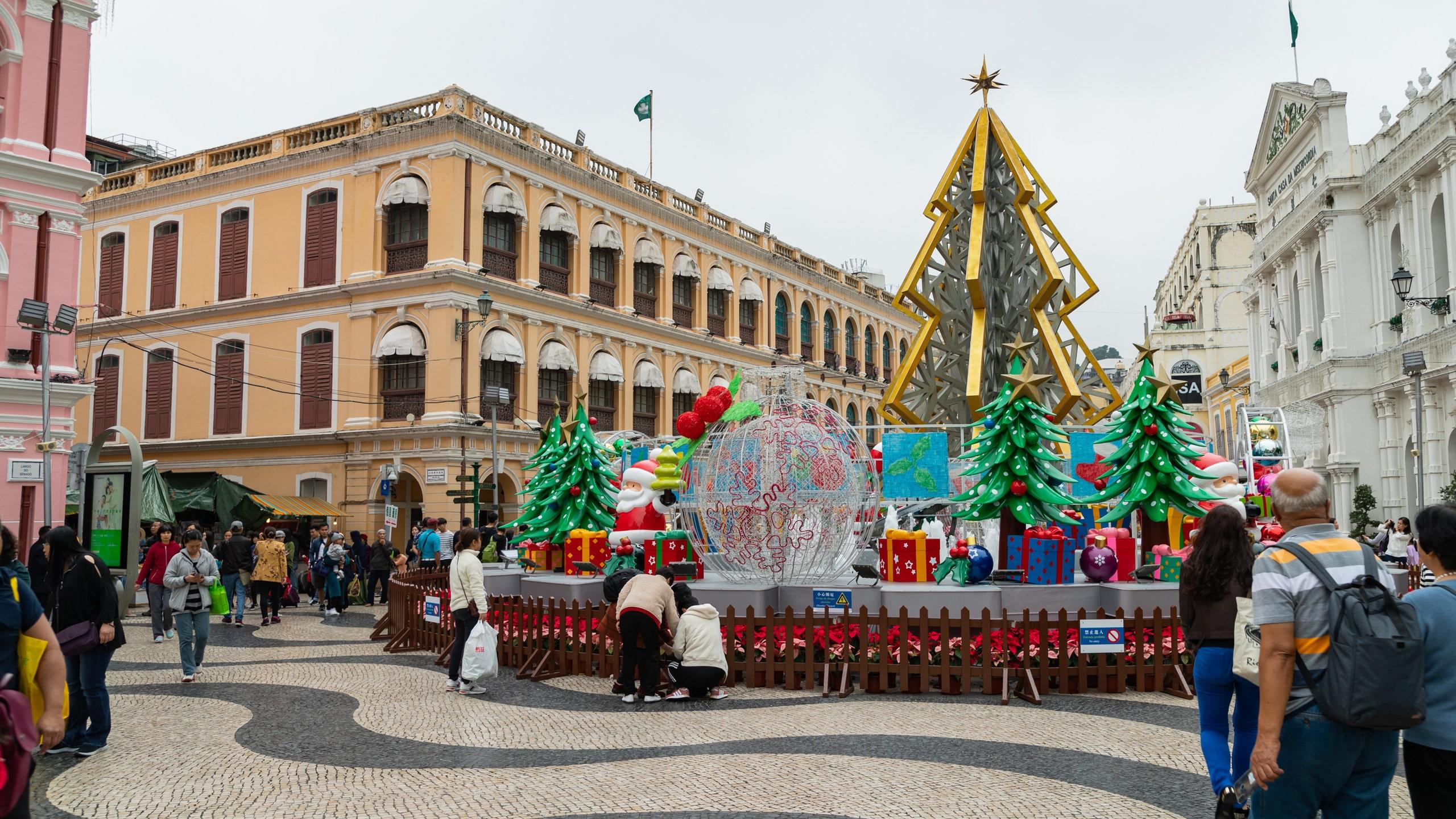 Anda dapat mengetahui sejarah dari Pusat Sejarah Macau dengan mampir ke Senado Square. Jelajahi pilihan hiburan dan kasino di area kaya budaya ini.